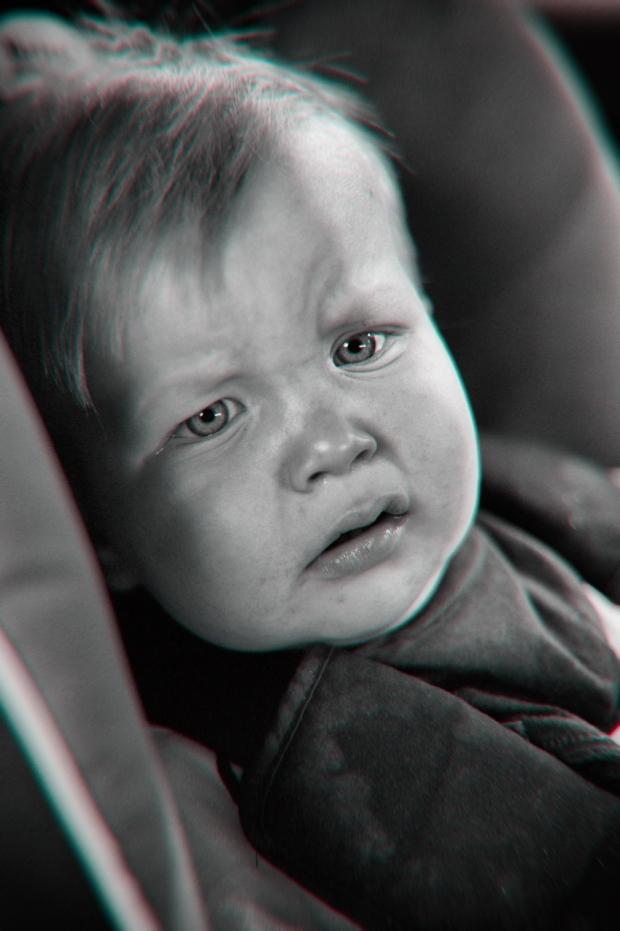Kuvassa pienen pojan tuska